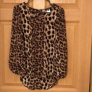 Leopard chiffon shirt with button up back